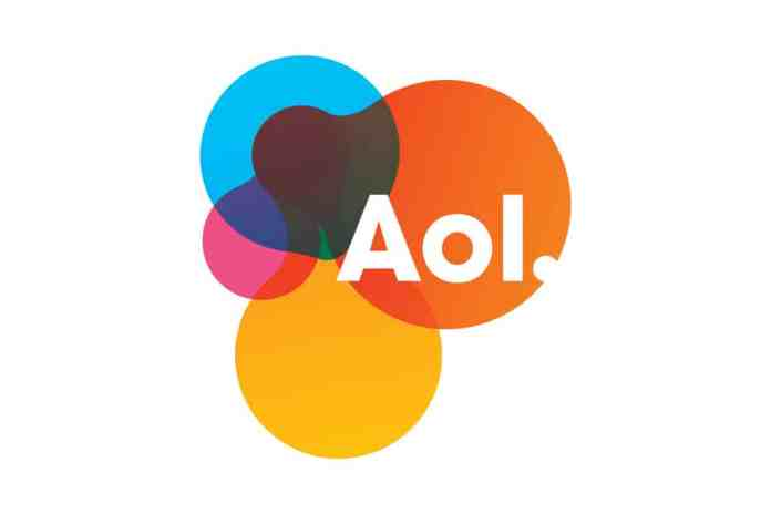 spinonews.com AOL instant messenger, first chat app