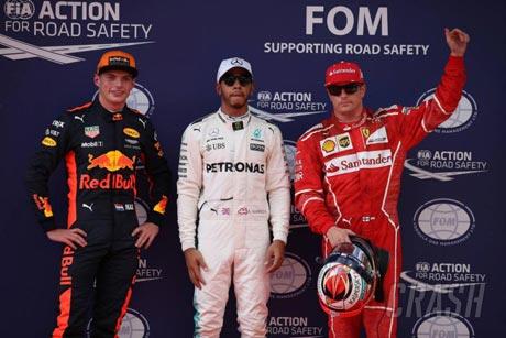 Lewis Hamilton Pole F1 Sepang 2017 - crash