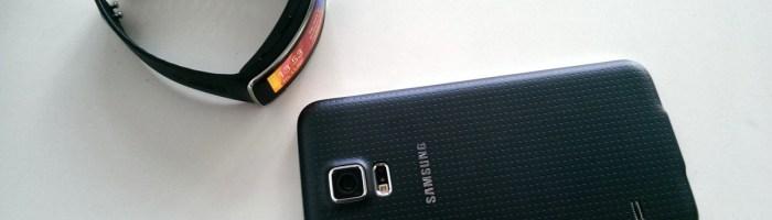 Samsung Galaxy S5 si Gear Fit la test