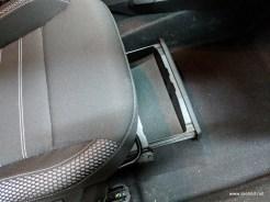 Spatiu de depozitare sub scaunul pasagerului