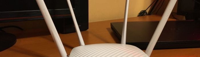 Tenda F9 – router wireless cu acoperire buna