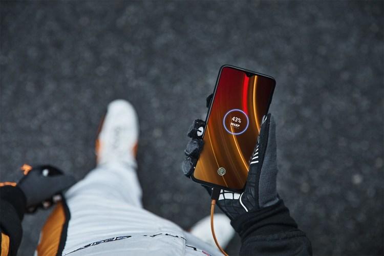 OnePlus nu mai are parteneriat cu McLaren