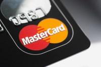 Mastercard impune reguli mai stricte pentru plata subscripțiilor