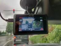 Camera auto Mio MiVue 786 review: o solutie inteligenta pentru capturarea calatoriilor tale