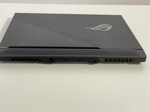 ASUS ROG STRIX SCAR 3 (1)