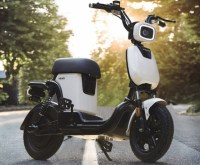 Xiaomi a lansat doua mopeduri electrice