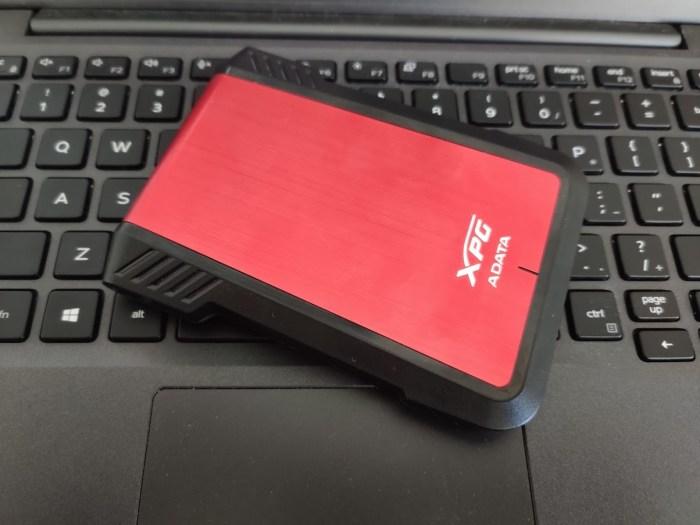 Cum îți faci un SSD/HDD extern și cum merge
