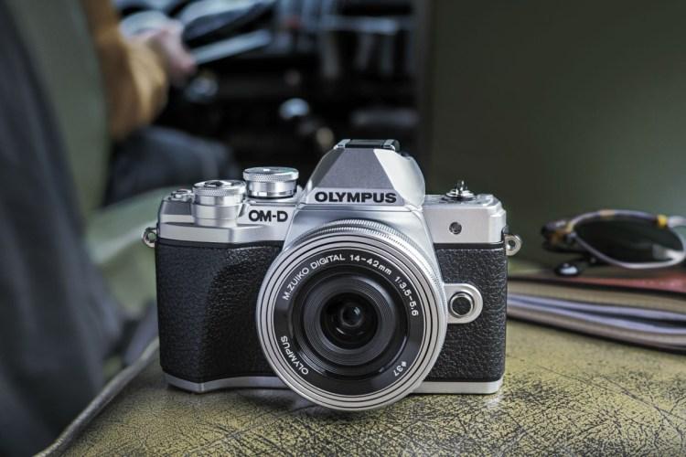 Olympus renunta la divizia de camere foto