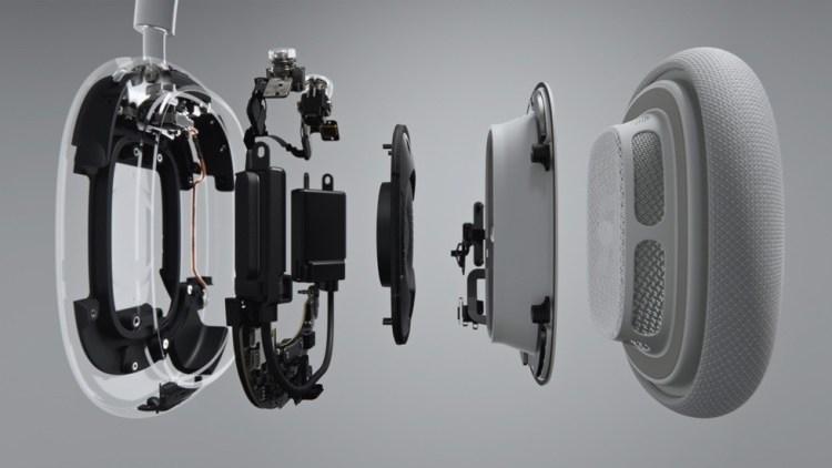 Apple a lansat castile AirPods Max