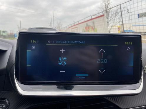 sistem multimedia peugeot 208 electric (1)