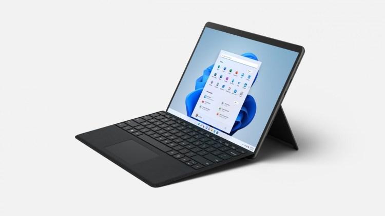 Microsoft a anunțat Surface Pro 8. Are ecran de 120 Hz, Thunderbolt și procesoare Intel 11th gen