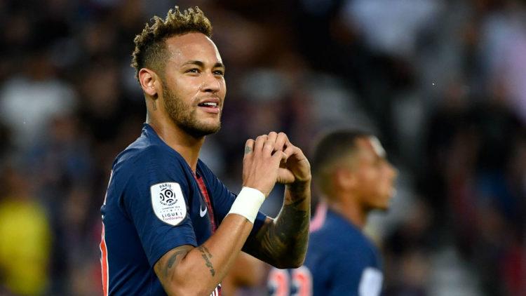 Cedera Metatarsal Membuat Neymar Sulit Tampil Dalam Laga PSG Kontra United