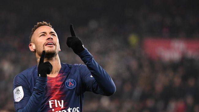 Penyerang PSG (Paris Saint-Germain), Neymar diragukan untuk bisa tampil saat timnya PSG kontra United dibabak leg pertama 16 besar Liga Champions