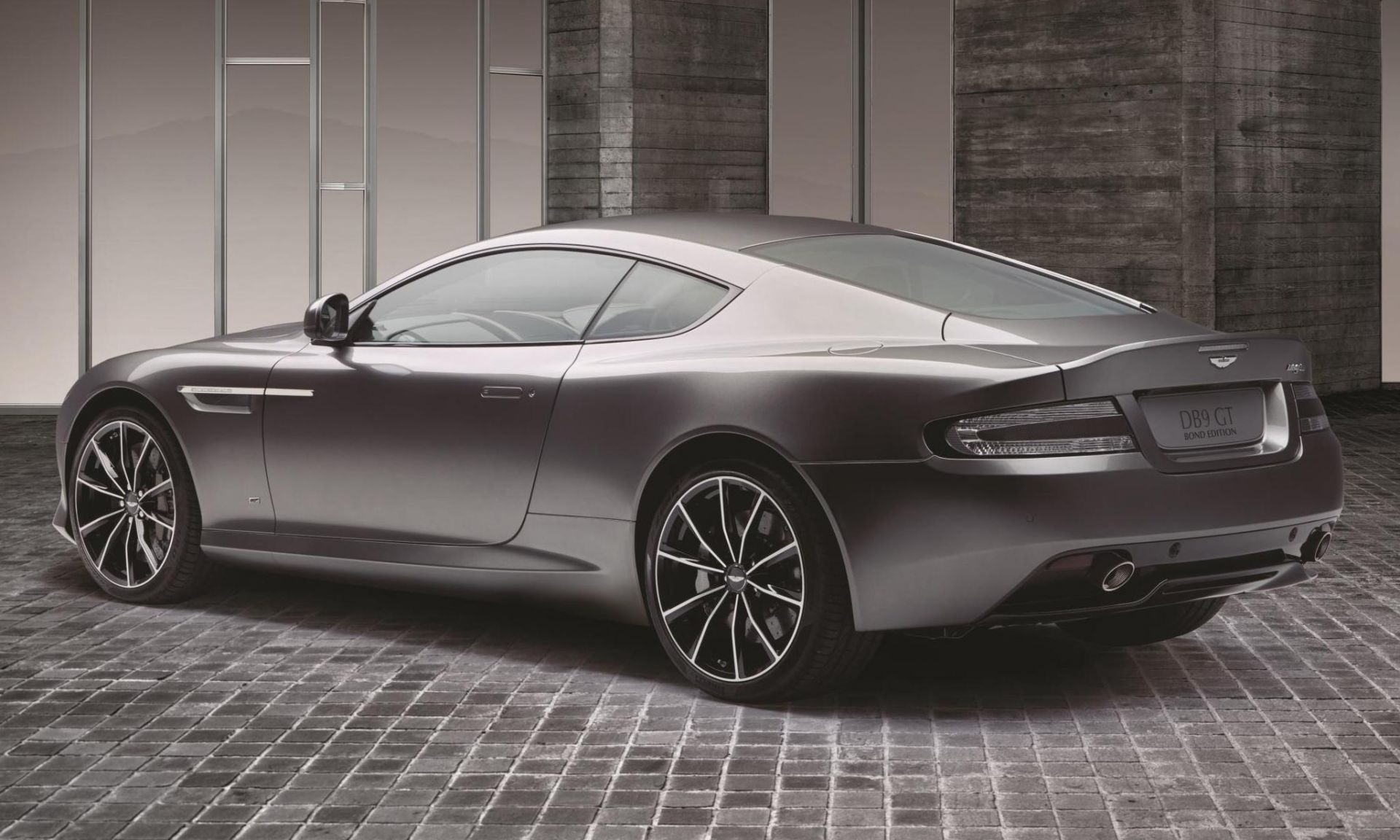 Aston Martin Db9 Gt Bond Edition  Edisi Terhad 150 Unit