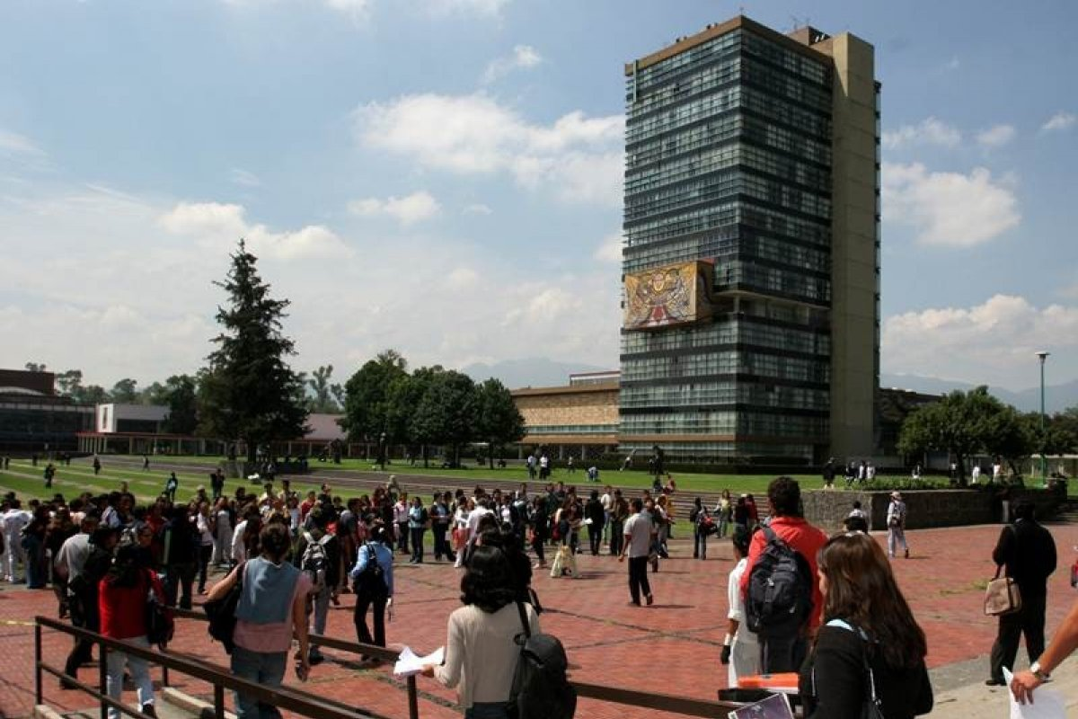 El nivel de deserción para educación superior en México es similar al de Estados Unidos.