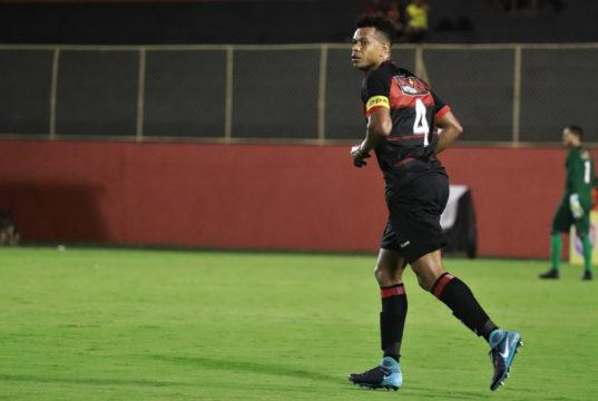 Edcarlos retorna e Chamusca convoca 23 jogadores para enfrentar o Atlético  de Alagoinhas 5d0de110dd5b0