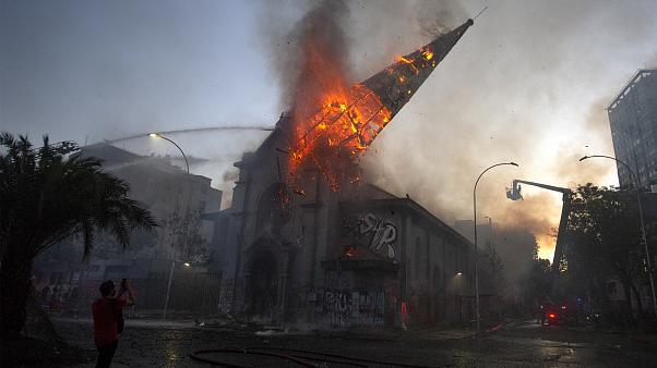 El ataque a la Iglesia y sus templos