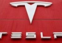 Eski çalışan Tesla'ya tazminat ödeyecek