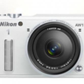 Nikon'dan Su Geçirmez Aynasız!