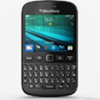 BlackBerry'den QWERTY Klavyeli 9720