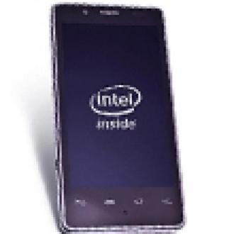 Intel'in Akıllı Telefonu Test Edildi!