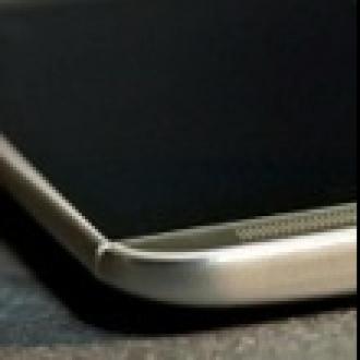 HTC One M8'i Her Yerden Düşürdü!