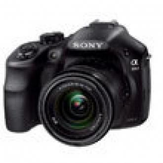 Sony'den SLR Görünümlü Aynasız: A3000
