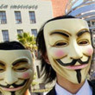 Anonymous Eylemcisi 32 Türk Gözaltında