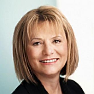 Yahoo CEO'su Carol Bartz Kovuldu!