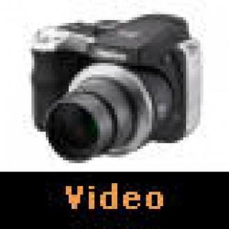 Fujifilm S8000fd: Cebinizdeki Dev