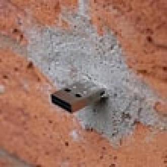 Duvarda USB Belleğin İşi Ne?