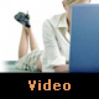 Video: Yatakta Laptop Keyfi