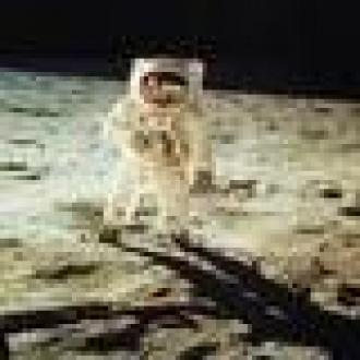 Ayda Yürüyen İnsan Kurtarıldı