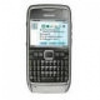 Nokia, E71 İle Karşımızda
