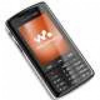 Sony Ericsson W960 Geldi