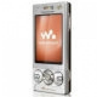 Walkman Serisine Yeni Telefon