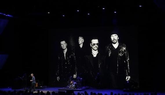 U2, Apple Lansmanında Sahnedeydi