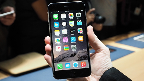 iPhone 6 Plus'a İlk İndirim