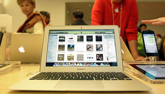 Apple MacBook Air Renkleniyor