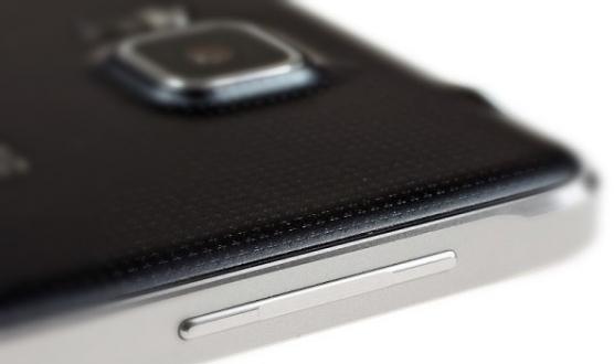 Metal Kasalı Samsung SM-A500 Geliyor