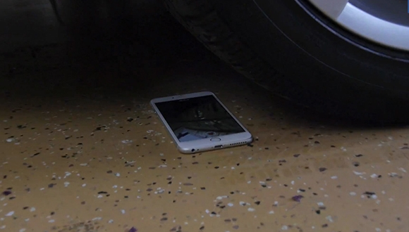 iPhone 6 Plus'ı BMW İle Ezdiler