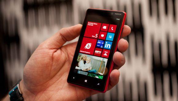 Nokia Lumia 820 İndirime Girdi