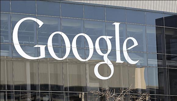 Google'ın Sürücüsüz Arabası Göründü!