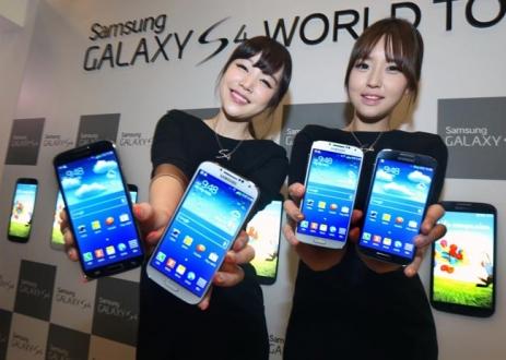 Samsung Akıllı Telefon Modellerini Azaltıyor