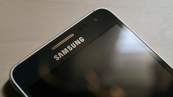 Samsung'tan Yeni Orta Seviye Model