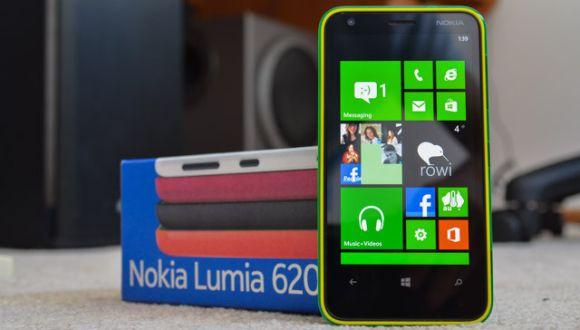 Nokia Lumia 620 İndirime Girdi