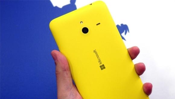 Lumia 1330'a İki Farklı Model