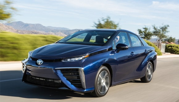Toyota'dan İkinci Hidrojenle Çalışan Otomobil