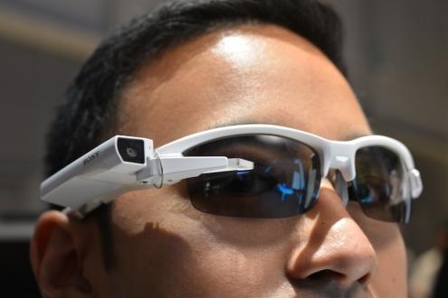 Sony Akıllı Gözlüğü Attach Duyuruldu