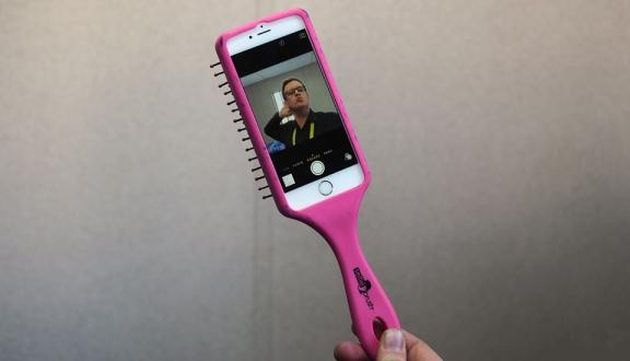 Selfie için Özel Saç Tarağı Ürettiler